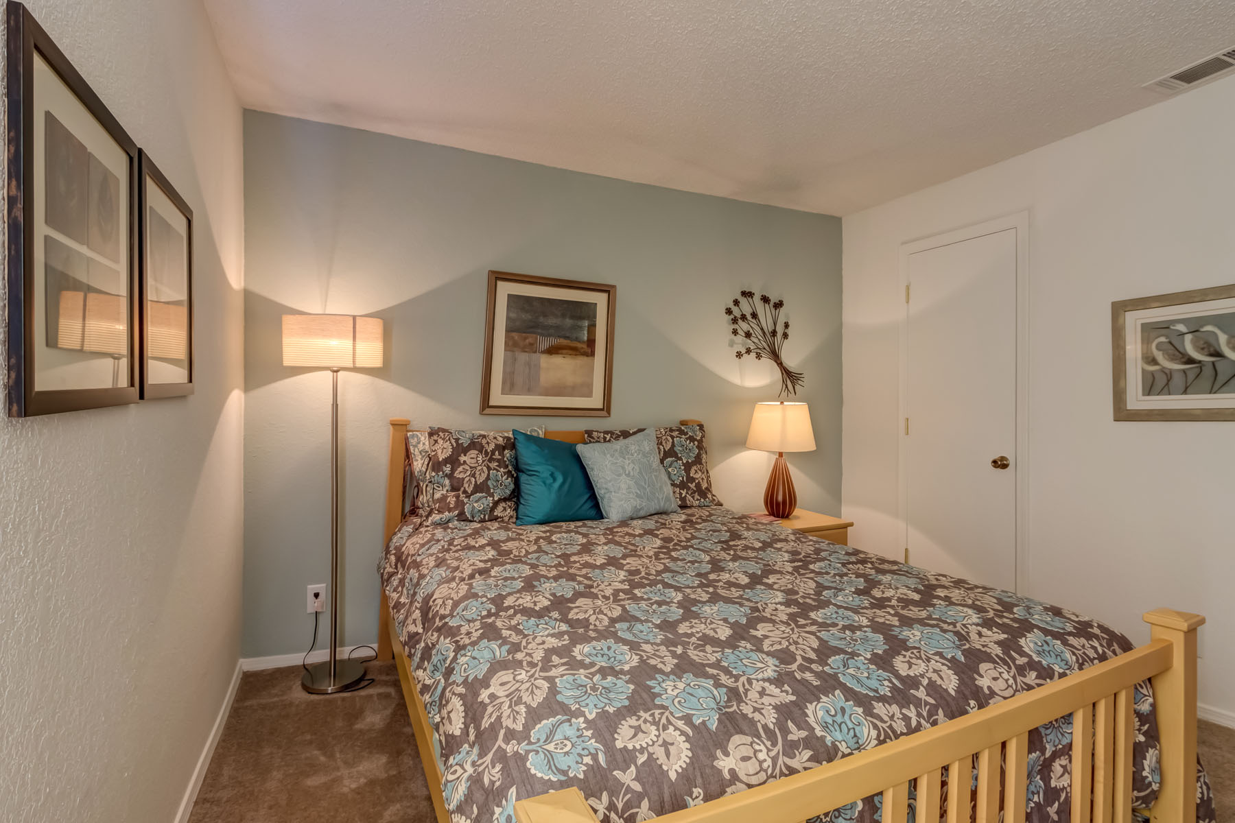 real estate photography shoot for raintree apartments