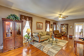 Homes for Sale in Lexington KY | 731 Aurora Ave, Lexington, KY 40502 | Photos by KRanchev Photography, LLC | The Best Real Estate Photography Services in Lexington, KY | Listing Agent: Tamara Bayer | Agency: Kirkpatrick & Company | $167,900  | 2 Beds  |  1 Baths  |  1,243 Sq. Ft.| MLS#1505312 | This charming,all electric well-maintained home is ideally located a short walk from the exciting National Av Business District that among many others includes:National Provisions, Boulangerie, Dry Art Hair Salon, Beer Garden, a gluten-free juice bar, a yoga studio and Blue Door BBQ. Close to Downtown Lex and the University of KY ...